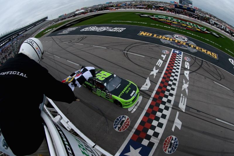 775149969TB00128_NASCAR_Xfi