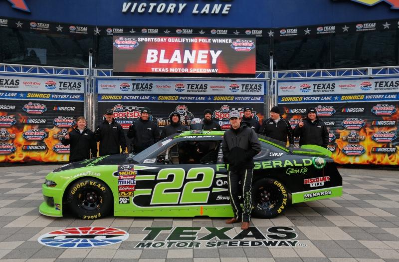 775149963TB00126_NASCAR_Xfi