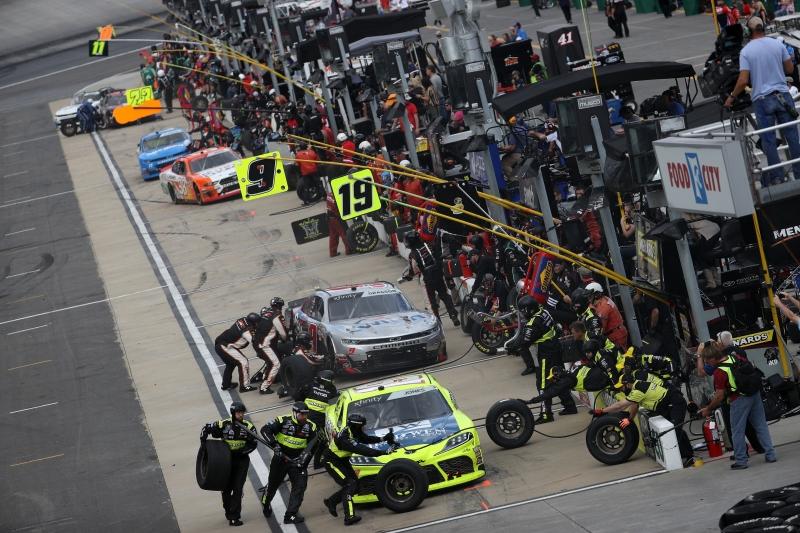 775324699CG00011_NASCAR_Xfi