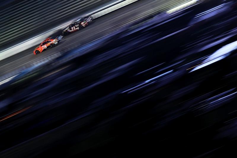 627550845DS00401_NASCAR_Spr