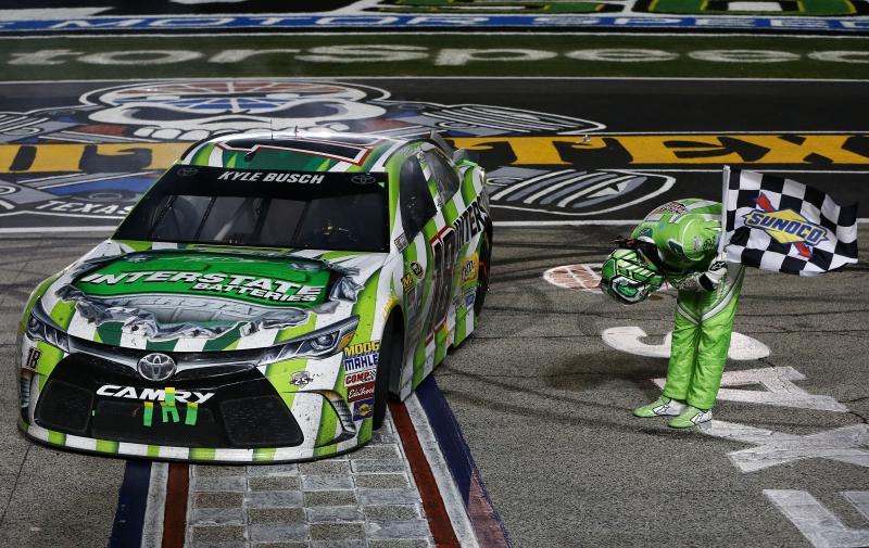 627550845DS00410_NASCAR_Spr
