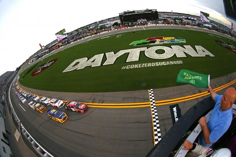 775186565XX00003_NASCAR_Xfi