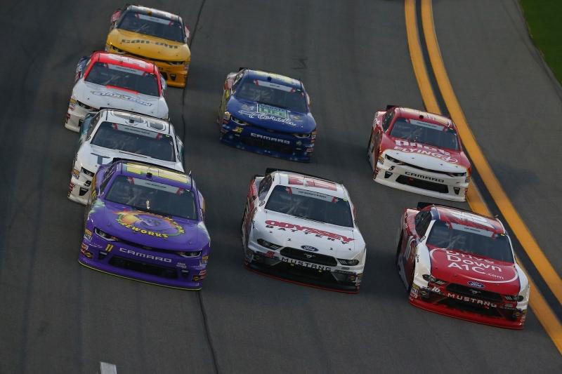 775186565XX00011_NASCAR_Xfi