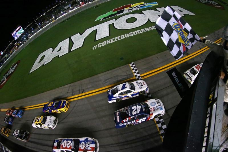 775186565XX00075_NASCAR_Xfi
