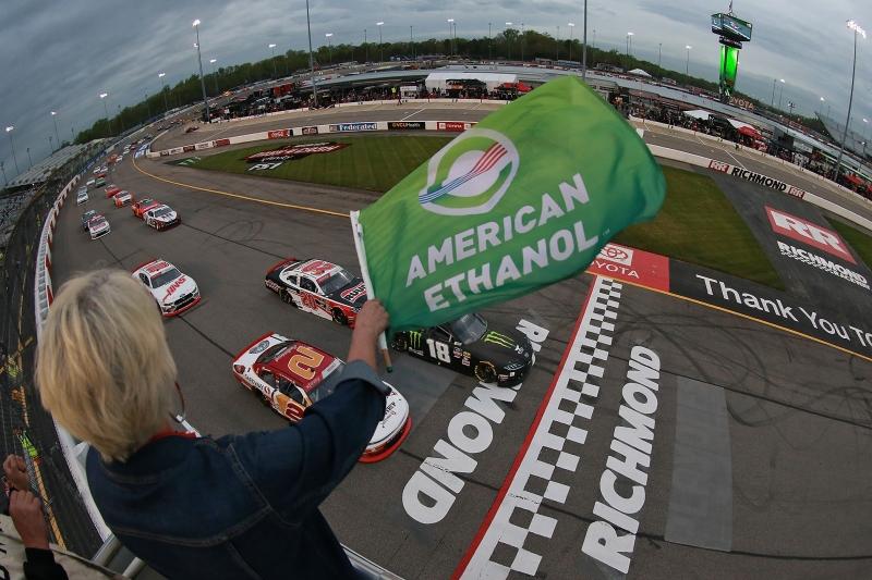 775327203XX00003_NASCAR_Xfi