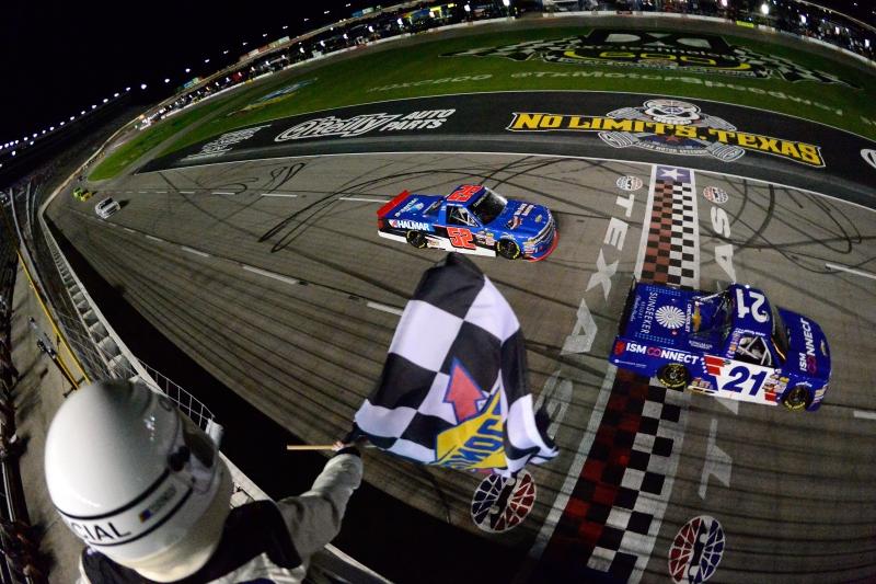 775174075CG00153_NASCAR_Cam