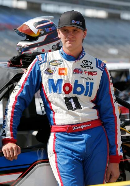 775174071CG00367_NASCAR_Cam