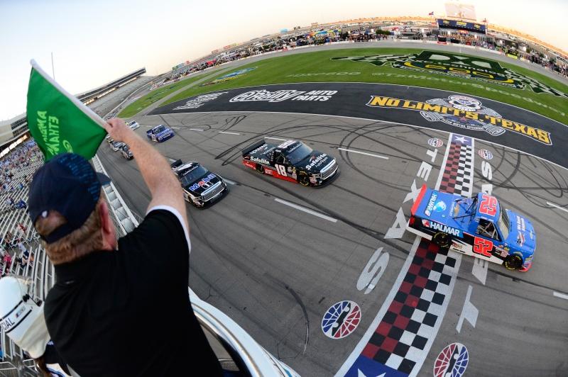 775174075CG00016_NASCAR_Cam
