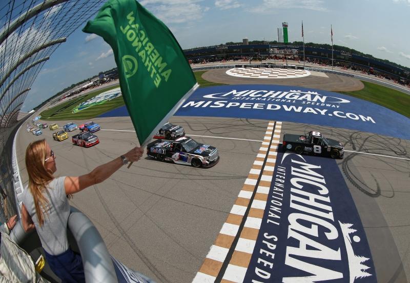 775207798XX00002_NASCAR_Cam
