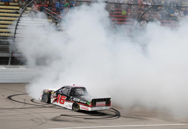 775207798XX00042_NASCAR_Cam