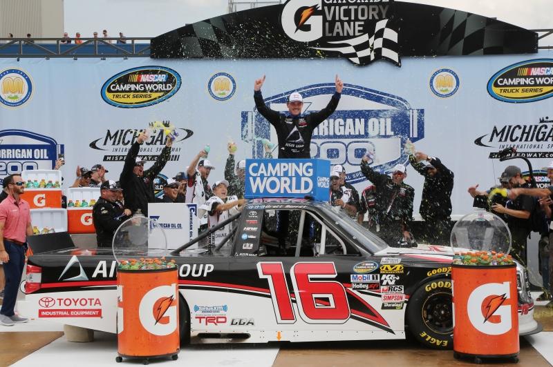 775207798SC00014_NASCAR_Cam