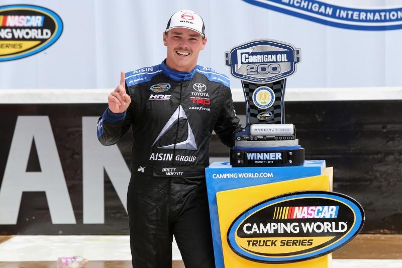 775207798XX00055_NASCAR_Cam