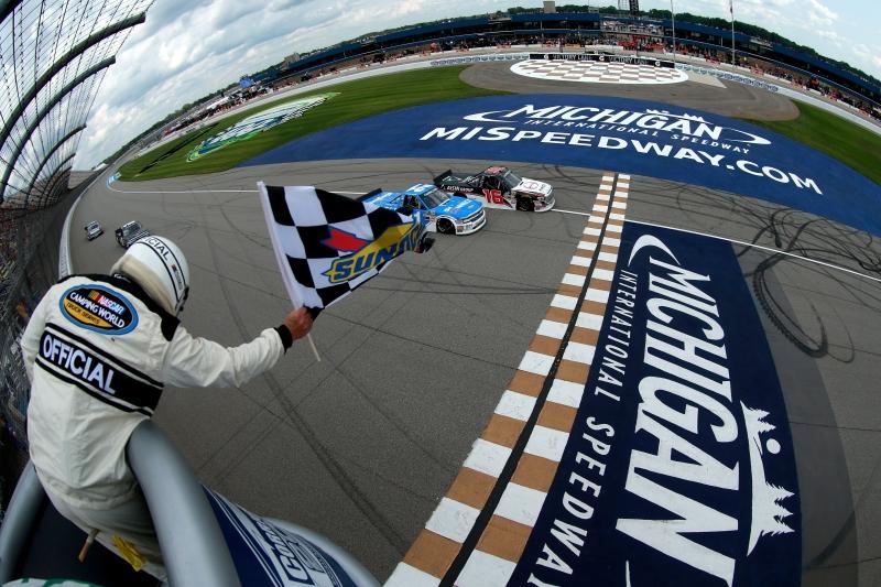 775207798XX00050_NASCAR_Cam