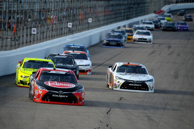 775193453JC00071_NASCAR_Xfi