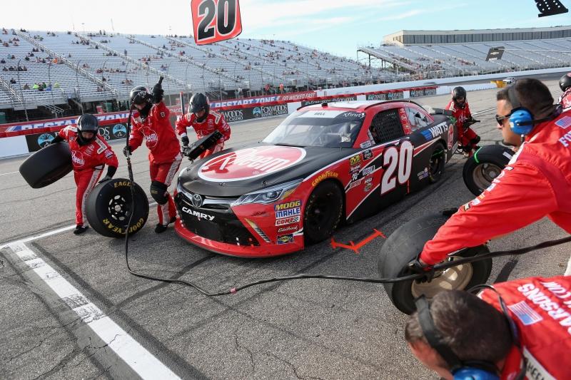 775193453JC00076_NASCAR_Xfi