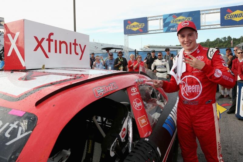 775193453JC00084_NASCAR_Xfi