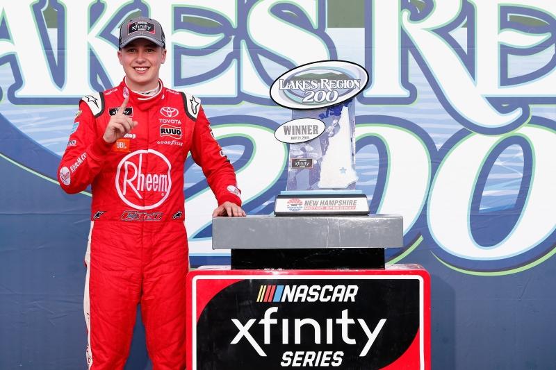 775193453JC00086_NASCAR_Xfi
