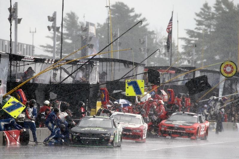 775204153SC00104_NASCAR_Xfi