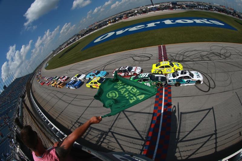 775183648JC00005_NASCAR_Xfi