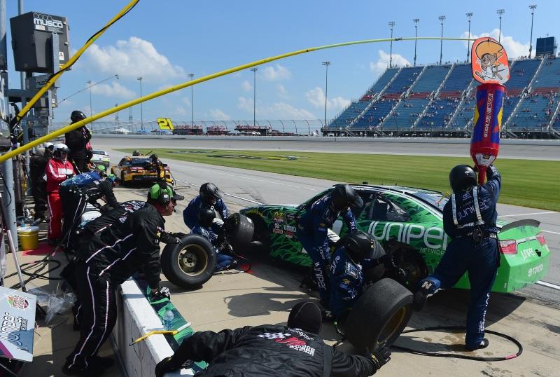 775183648JC00021_NASCAR_Xfi