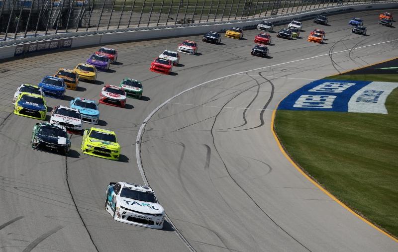 775183648JC00007_NASCAR_Xfi