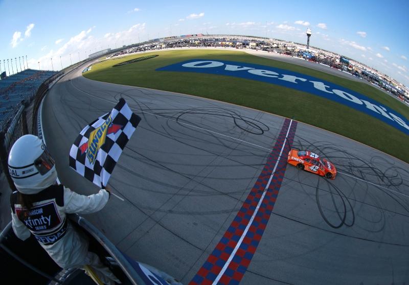775183648JC00055_NASCAR_Xfi