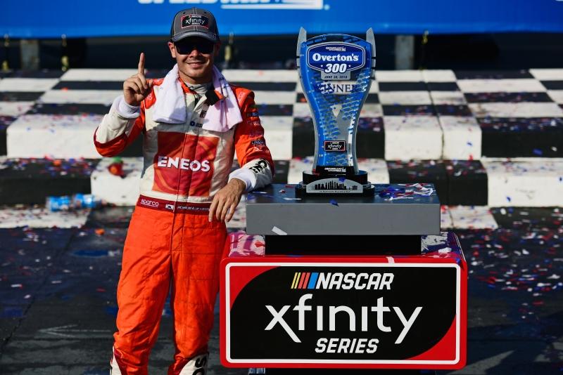 775183648JC00083_NASCAR_Xfi